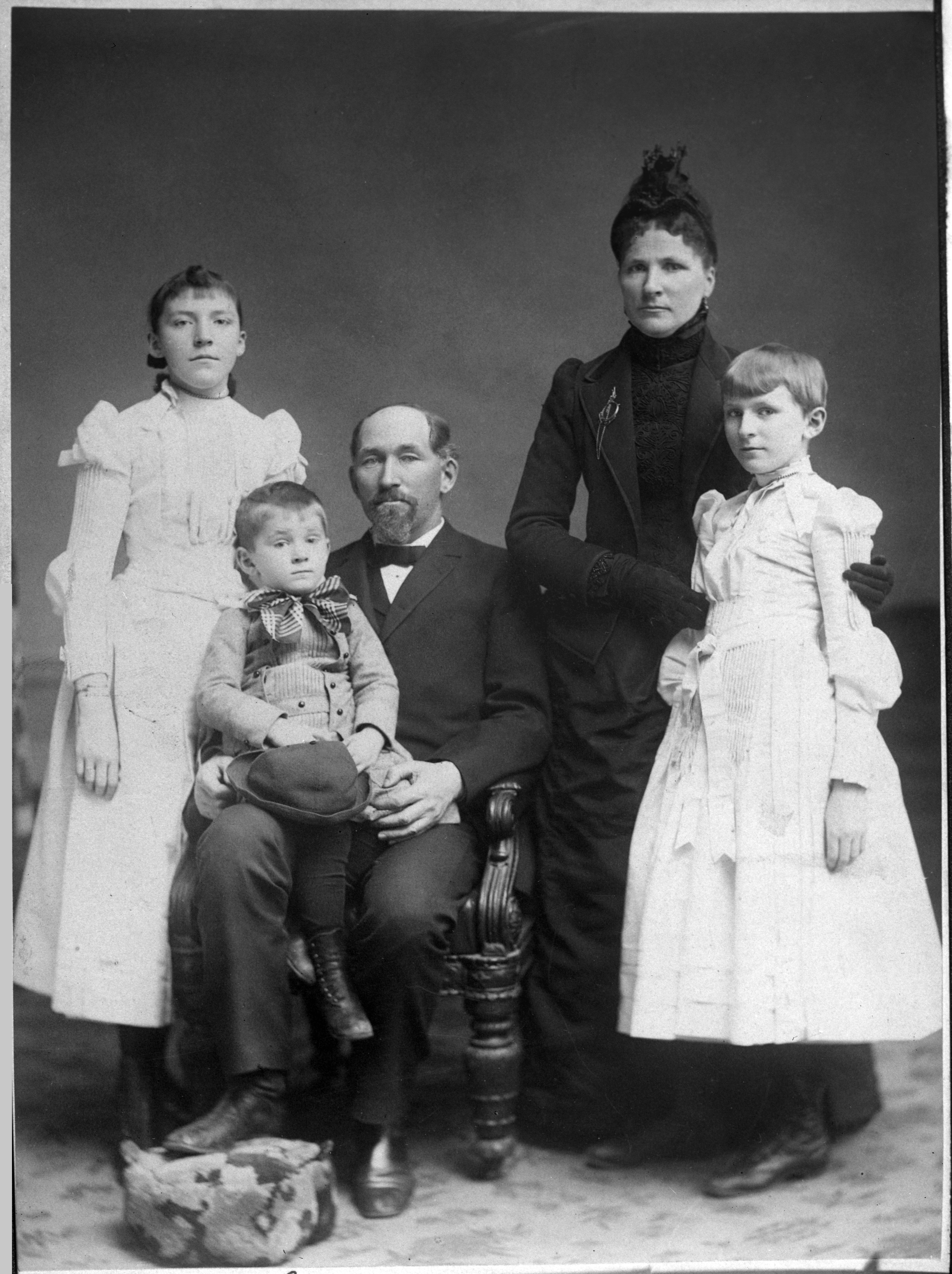 Ada Comstock (far left) with her father, Solomon, her mother, Sarah, her sister, Jessie and her brother, George.